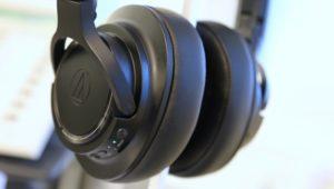 Günstiger Bluetooth-NC-Kopfhörer: Audio-Technica SR50BT klingt hervorragend