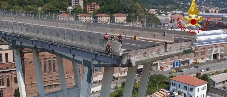 Wird die Unglücksbrücke von Genua abgerissen?