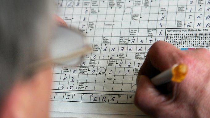 Gehirnjogging gegen das Altern?: Rätseln hält den geistigen Abbau nicht auf