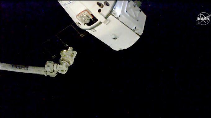 """Plätzchen-Lieferung für ISS-Crew: Drache bringt """"Astro-Alex"""" Weihnachtsessen"""
