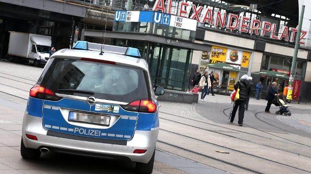 Gericht kippt Waffenverbot: Polizei will weiter kontrollieren