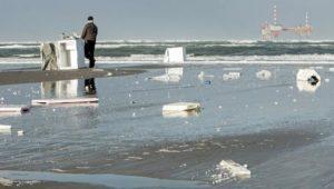 Fernseher von havarierten Frachtschiff auf Borkum angespült