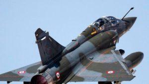 Trümmer des verschwundenen französischen Kampfflugzeugs entdeckt