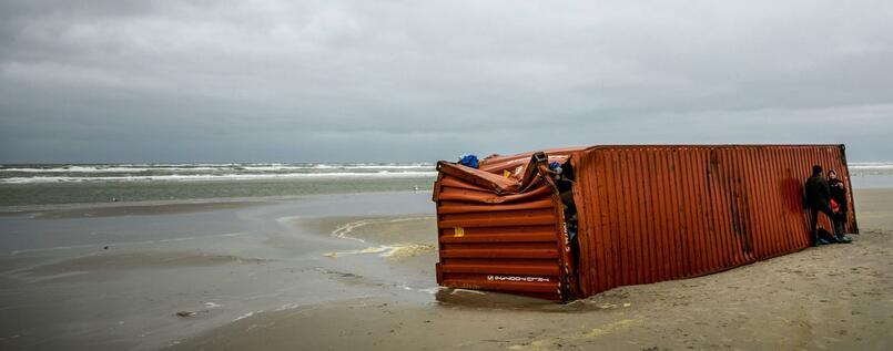 Nach Havarie in derNordsee viele Container geortet