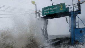 """""""Pabuk"""" zieht knapp an thailändischen Inseln vorbei"""